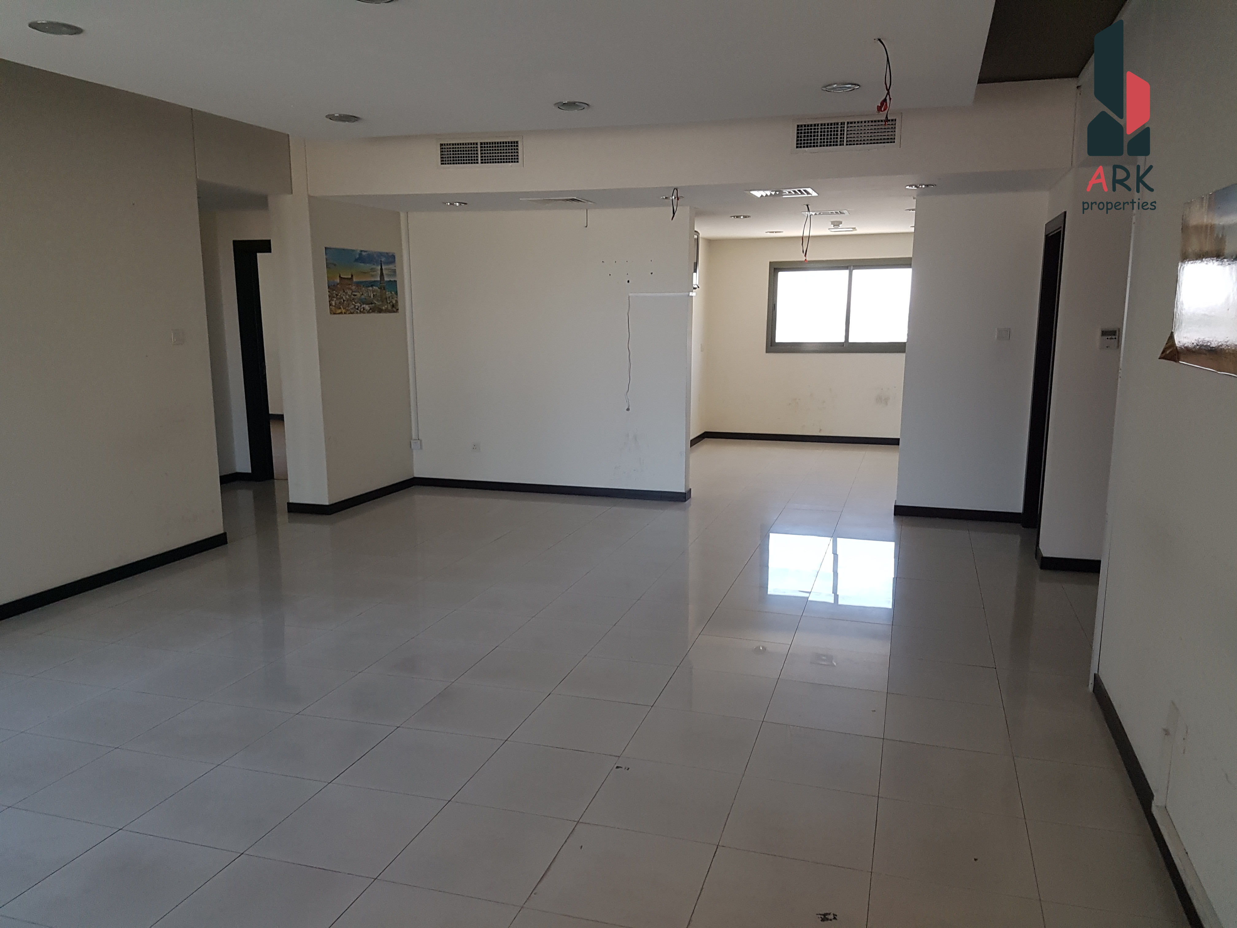 BRIGHT AND SPACIOUS SEMI FITTED OFFICE SPACES
