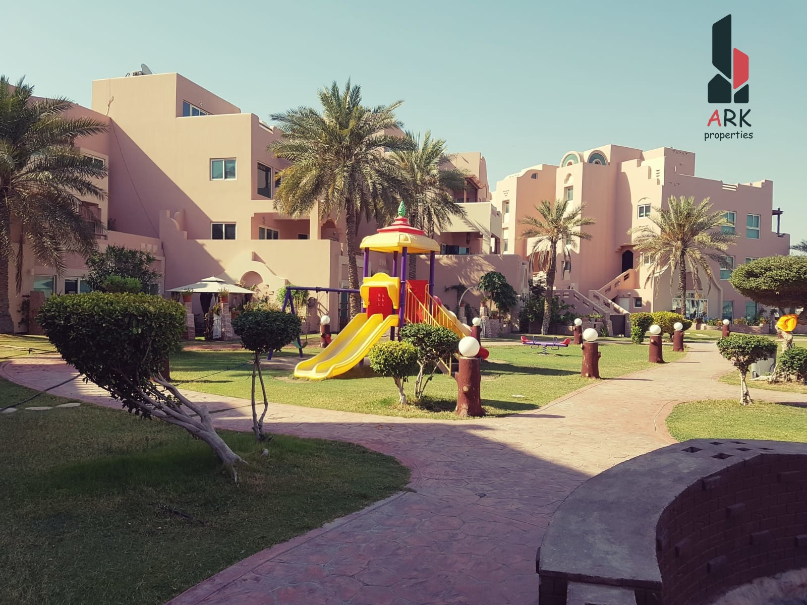 Sea view apartment,largepool, play area,party hall