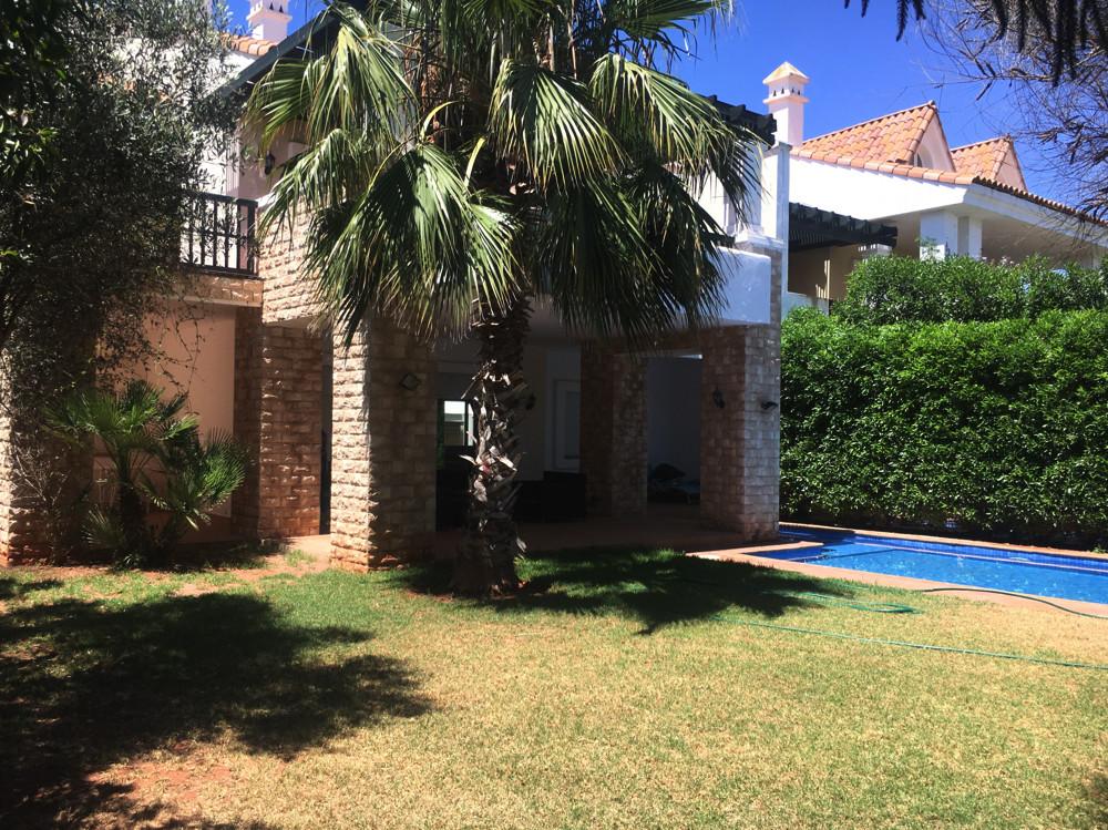 Location <strong>Villa</strong> Casablanca Dar Bouazza <strong>490 m2</strong>