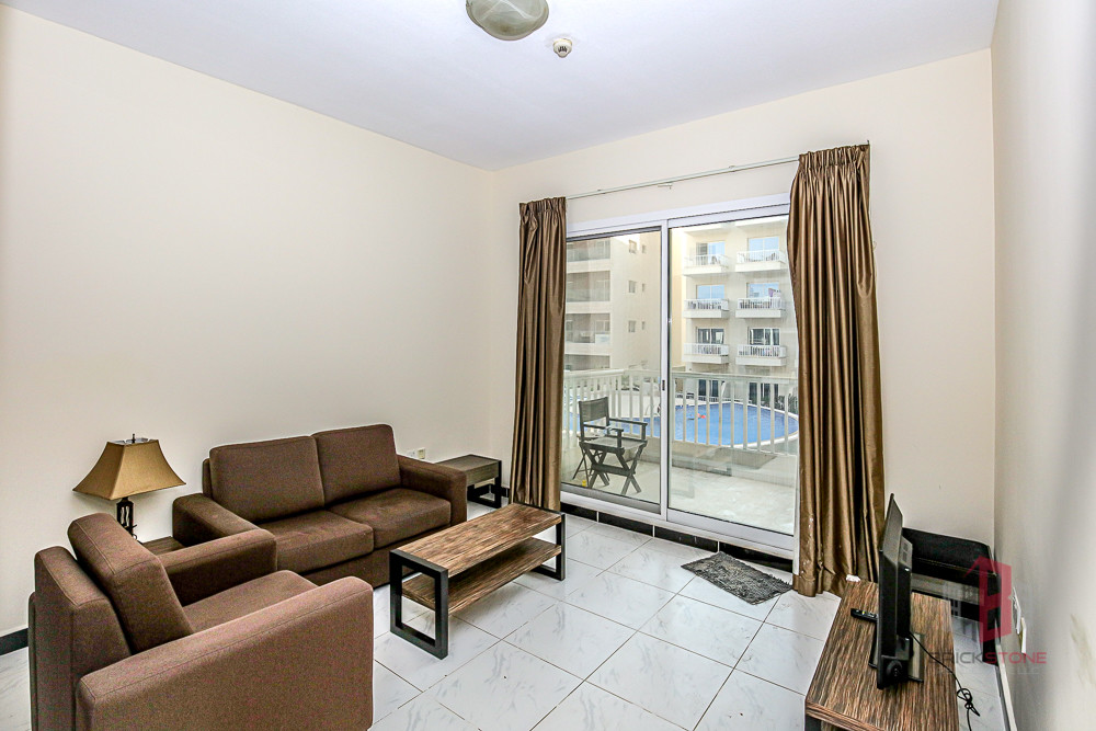 Spacious 2 Bedrooms with Big Balcony | Vacant