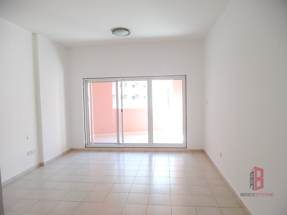 Well maintained and Renovated Studio | Vacant