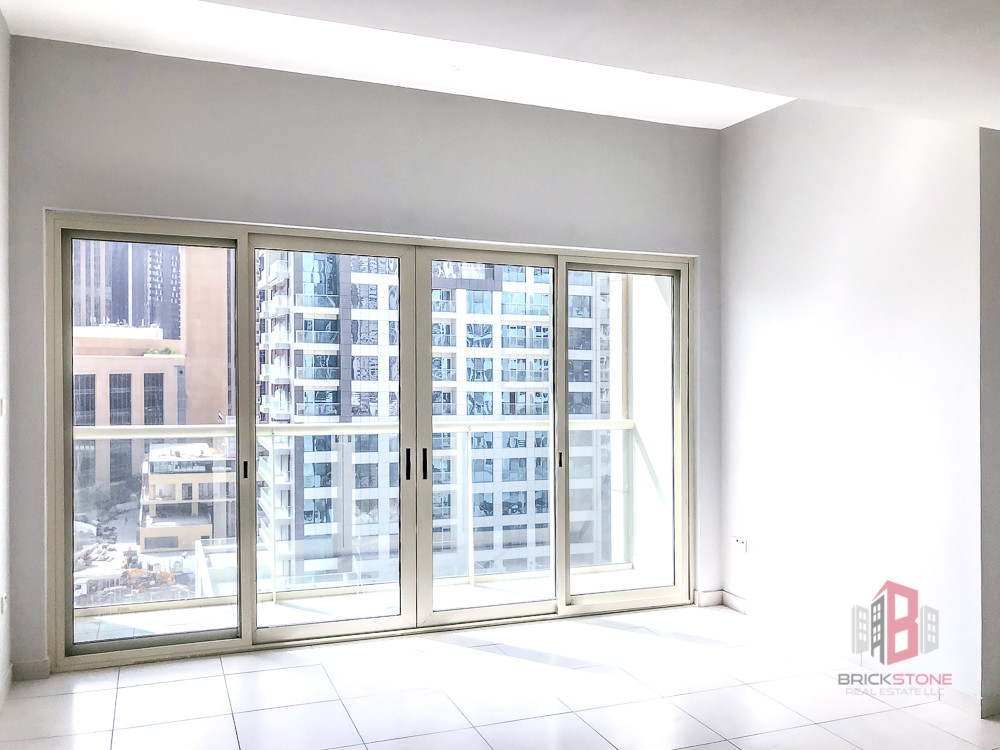 Best Price | Bright Spacious Apt | Well Maintained