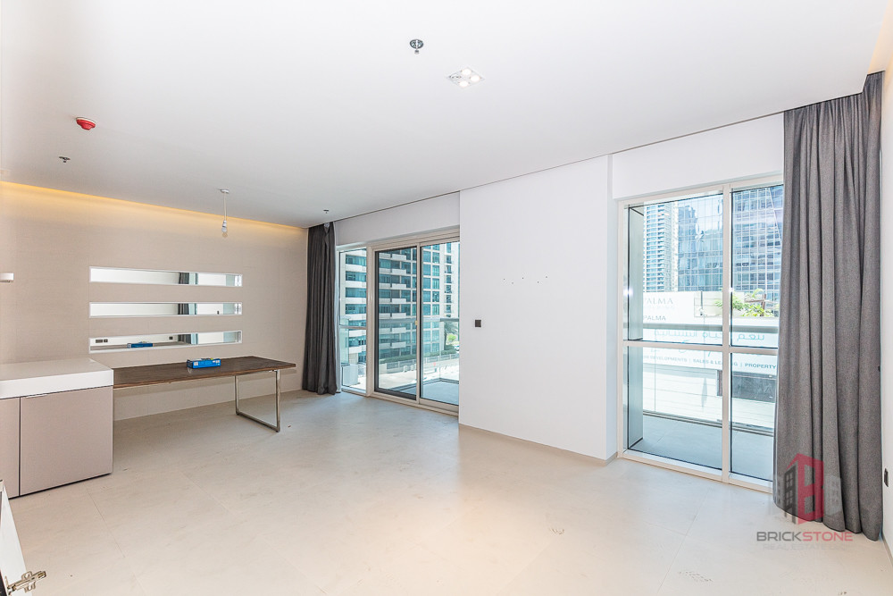 Good Location   2BR with Marina view   Mid-floor