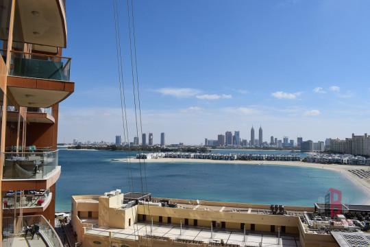 Sea Views I Higher Floor I Unfurnished I Vacant