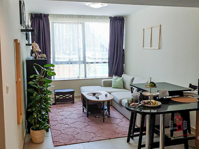 Unfurnished 1 BR Lake view Opposite Metro