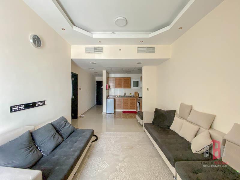 Upgraded 1 Bedroom | Fully Furnished | Parking