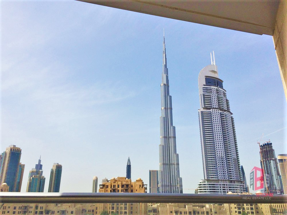 Spacious 2BR with Burj Khalifa and Old Town View
