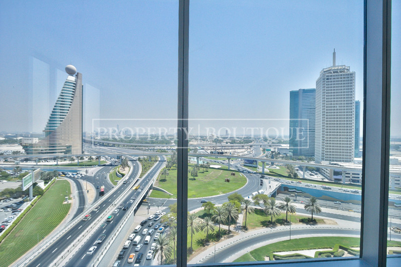 fitted-full-floor-office-sheikh-zayed-road