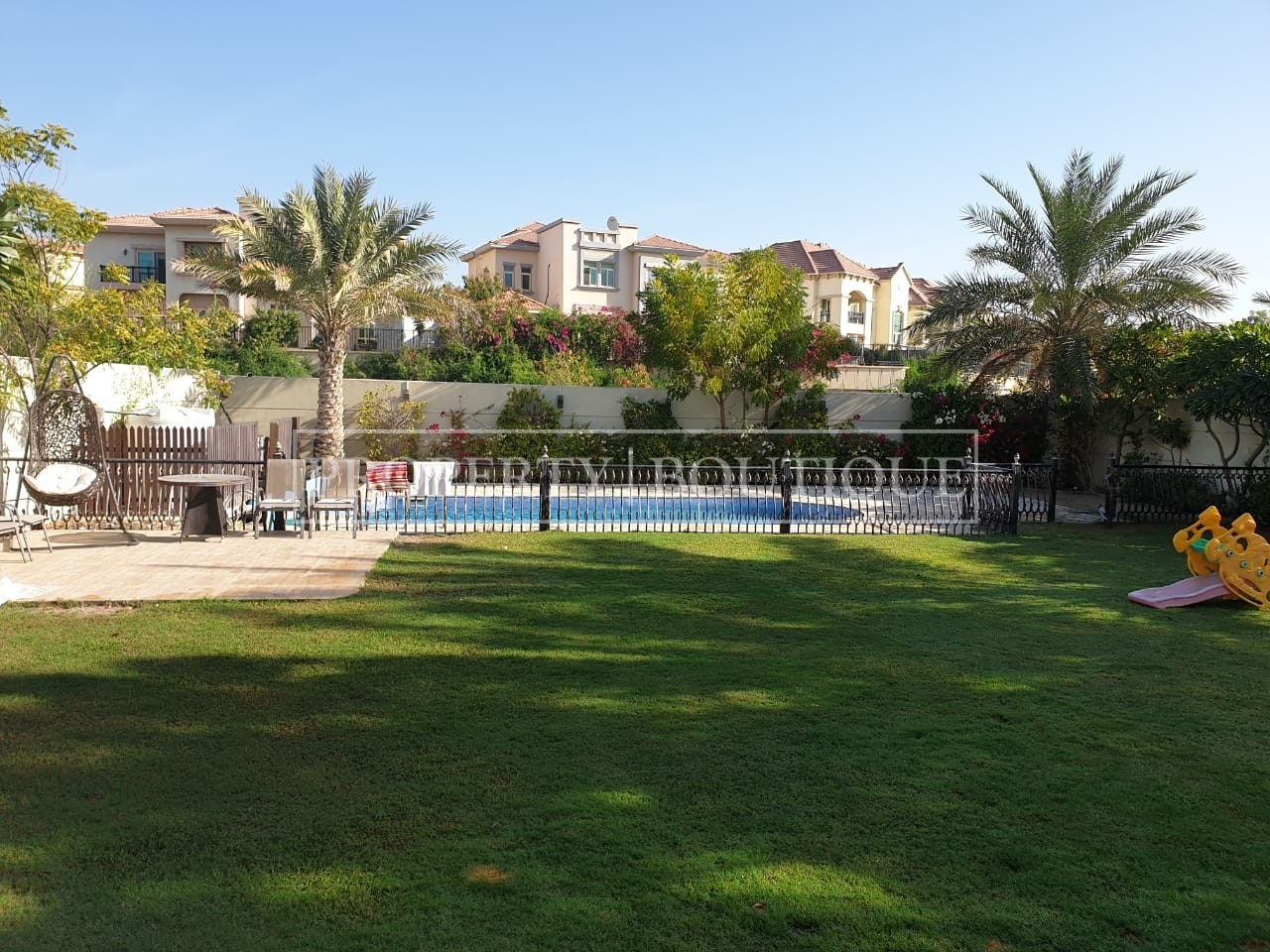legacy-4-bed-private-pool-lake-view-large-plot