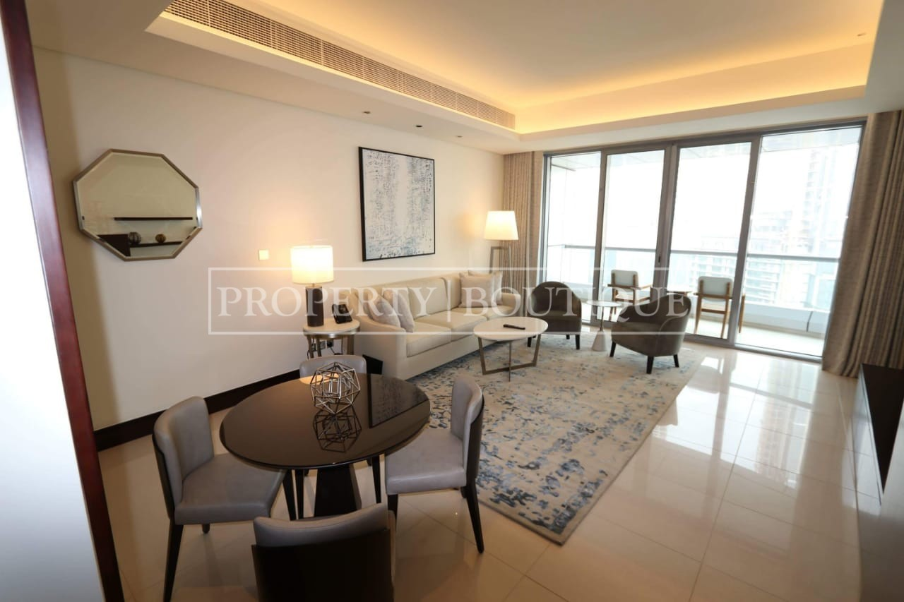 Corner Unit | Canal and Old Town view | 1 Bed