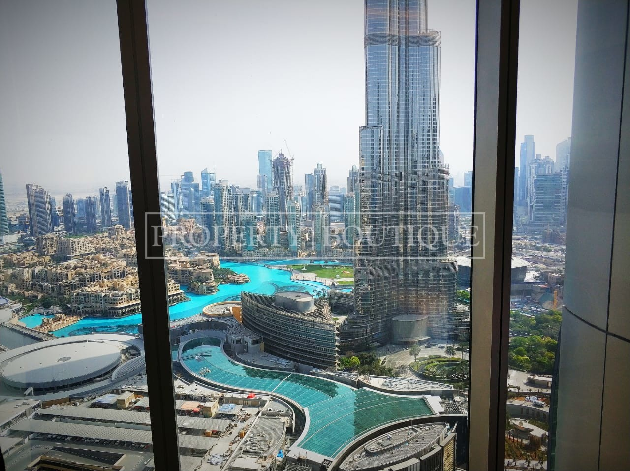 elegant-large-2-bed-with-full-fountain-view