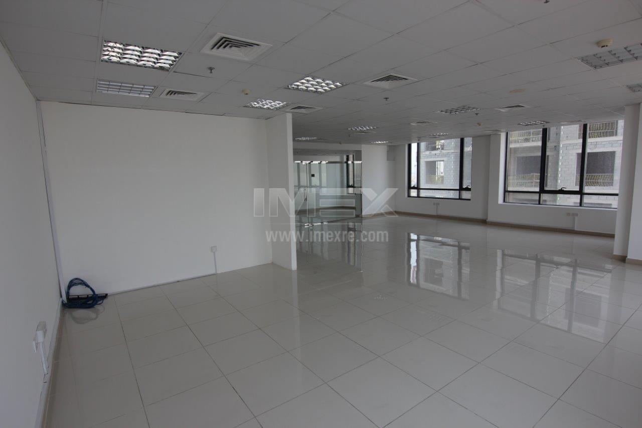 spacious-neat-office-in-jumeirah-village-circle