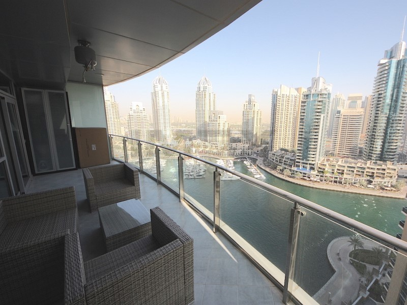 large-1br-terrace-apartment-full-marina-view