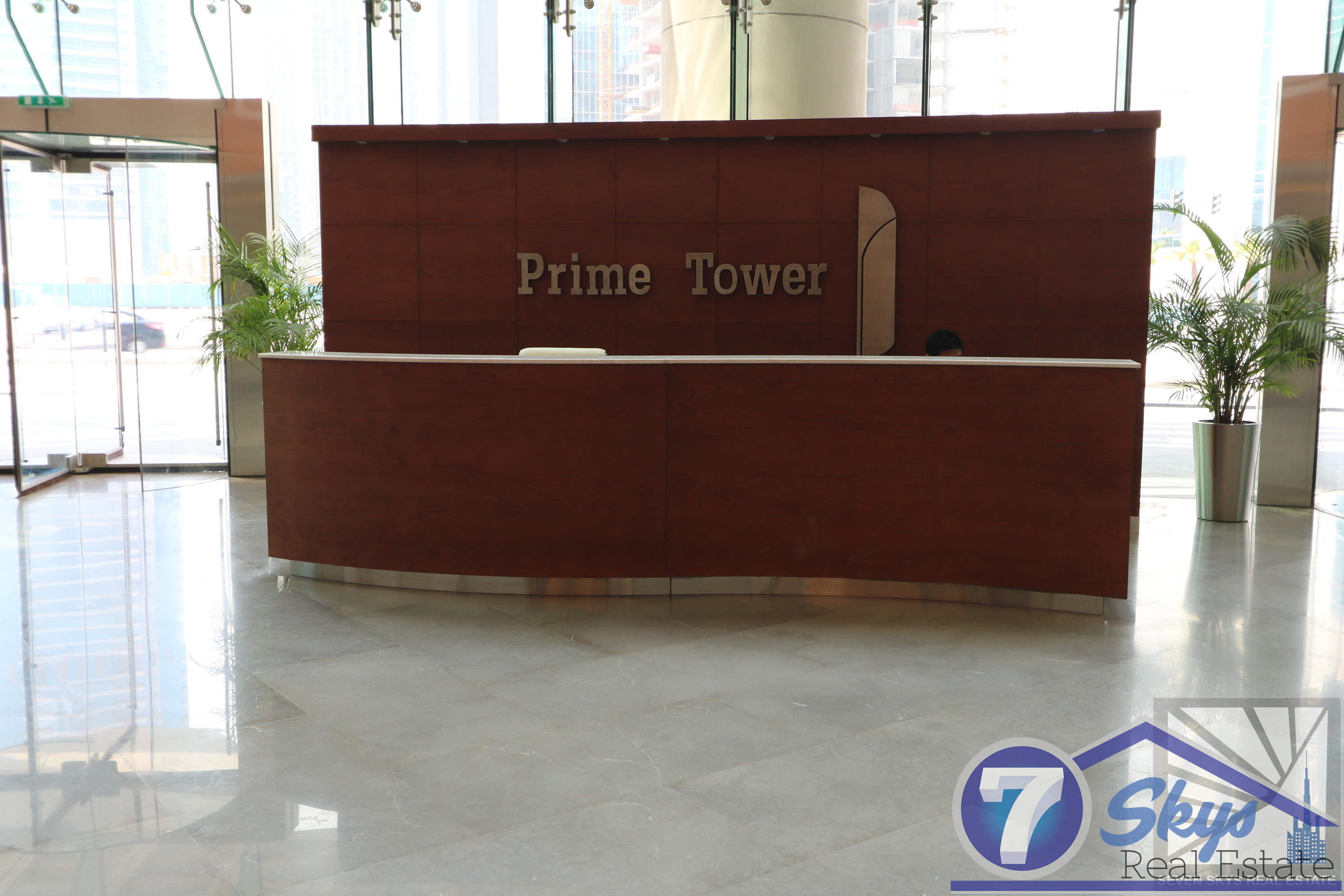elegant-office-with-full-burj-khalifa-view