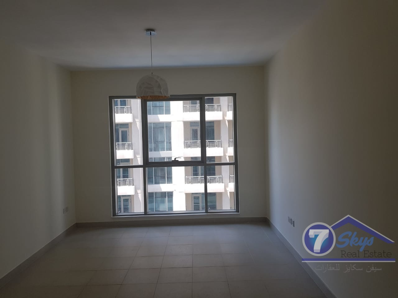new-1bhk-in-boulevard-central-1-downtown