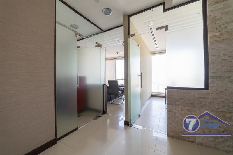 furnished-office-lake-view-business-bay