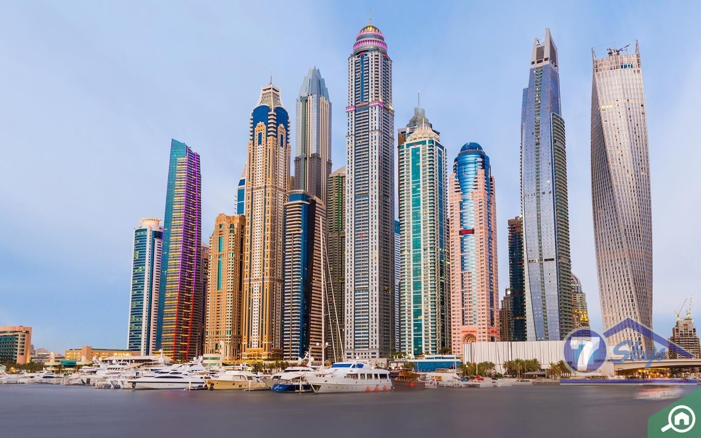 emirates-crown1-bedroom-with-marina-view