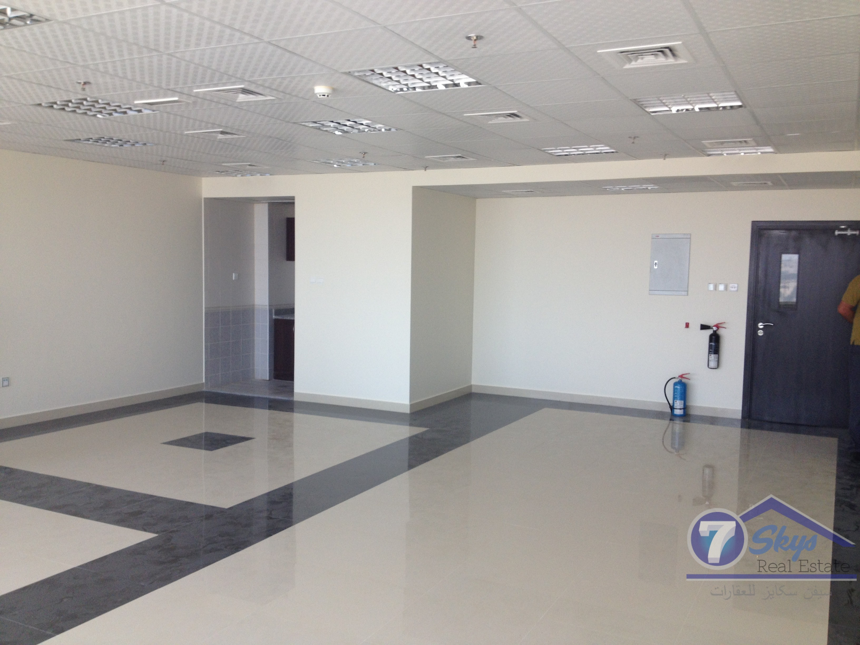 fully-fitted-vacant-office-for-sale-it-plaza-in-dso