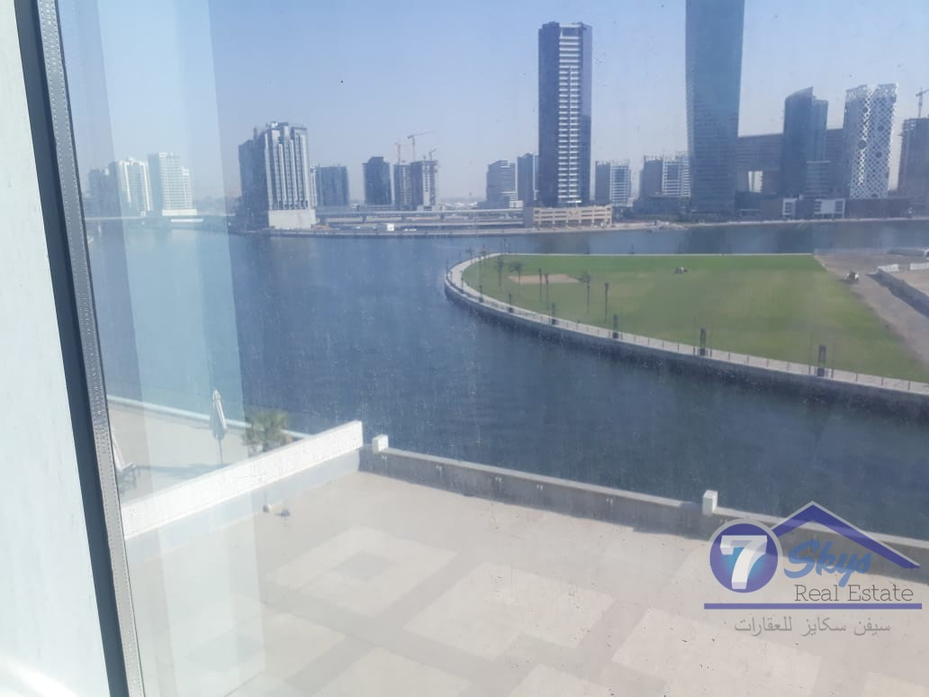 amazing-view-of-lake-office-for-sale