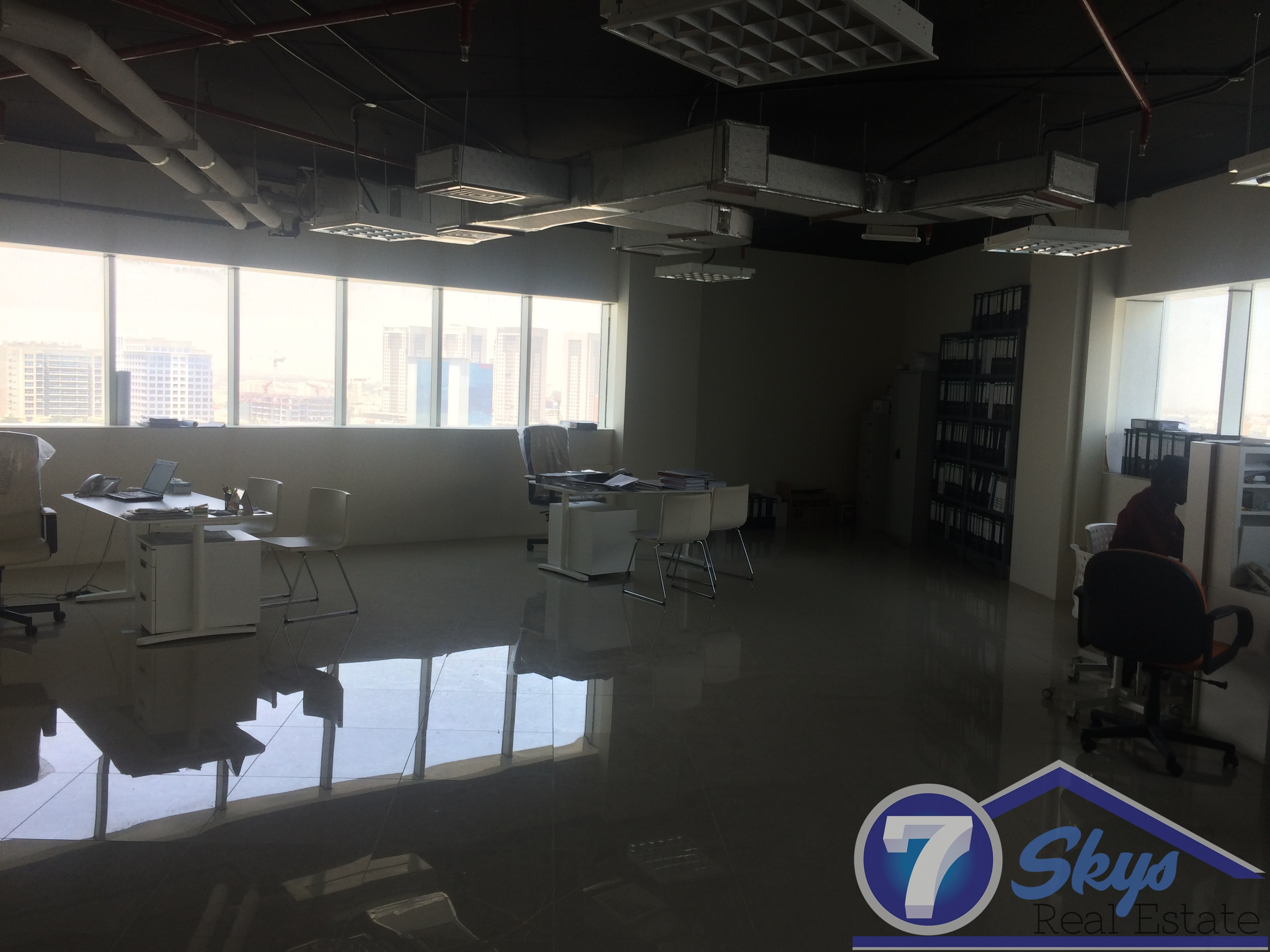 fully-fitted-ready-vacant-office-for-sale-in-silicon-oasis