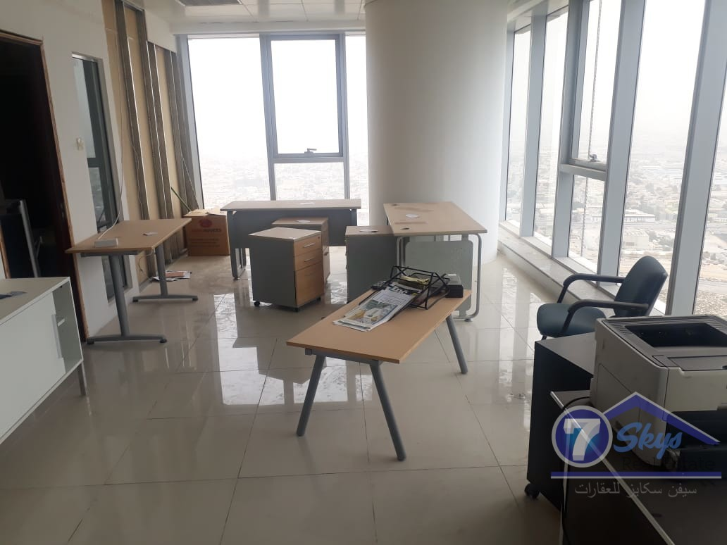 see-lake-view-fitted-office-for-sale