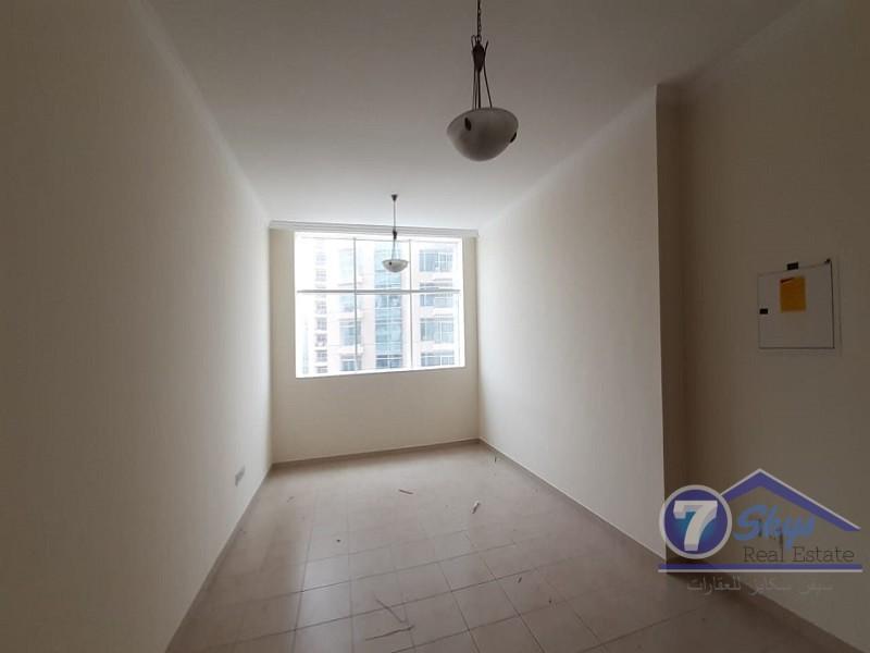high-floor-1br-spacious-apartment-burj-al-nujoom