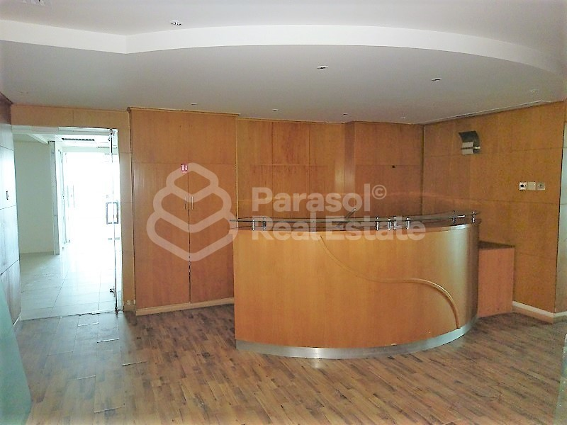 very-spacious-office-on-sheikh-zayed-road