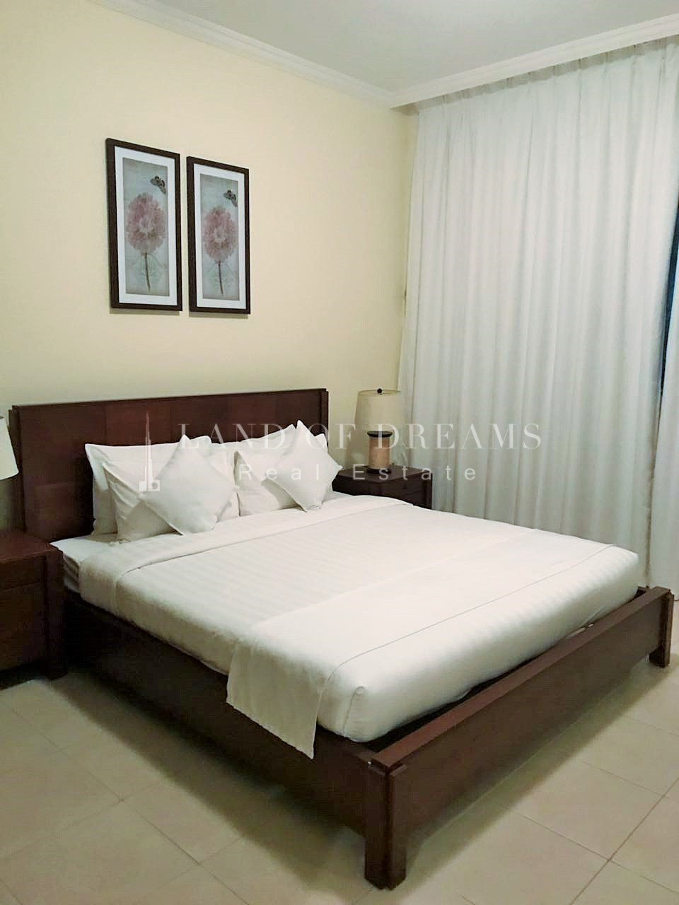 well-maintained-large-furnished-1-bedroom
