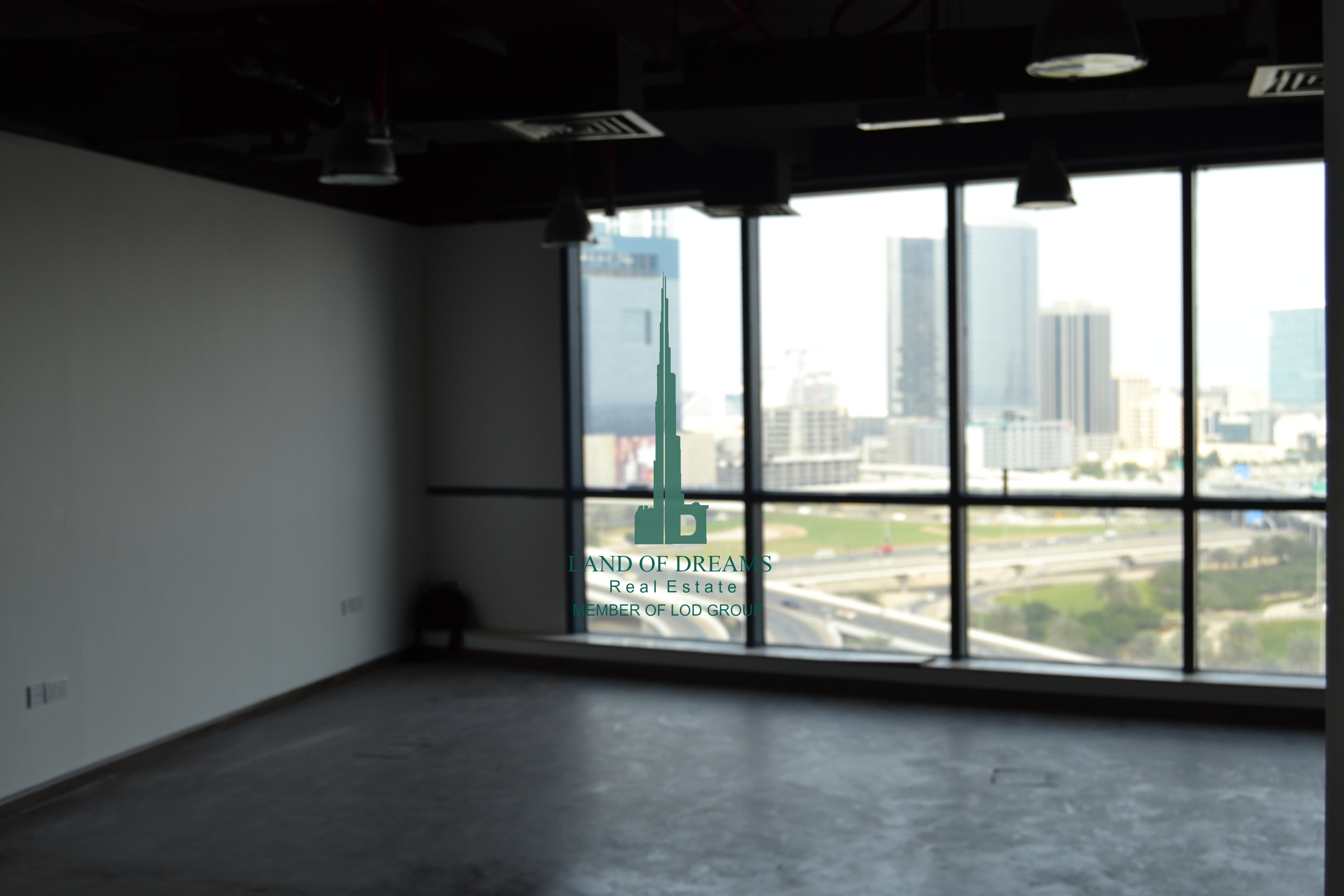 fitted-with-wooden-flooring-office-for-rent