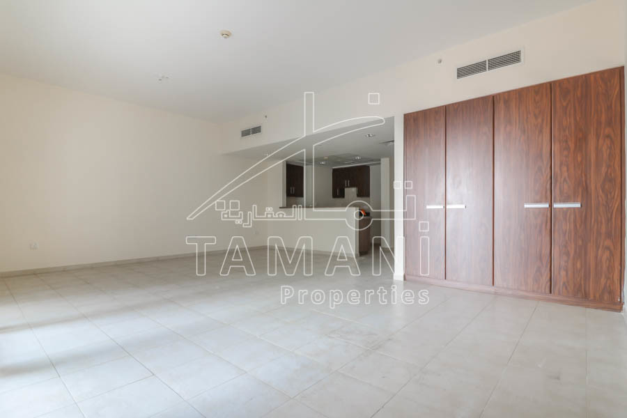 Large Studio |Kitchen appliances|Balcony – Executive Towers