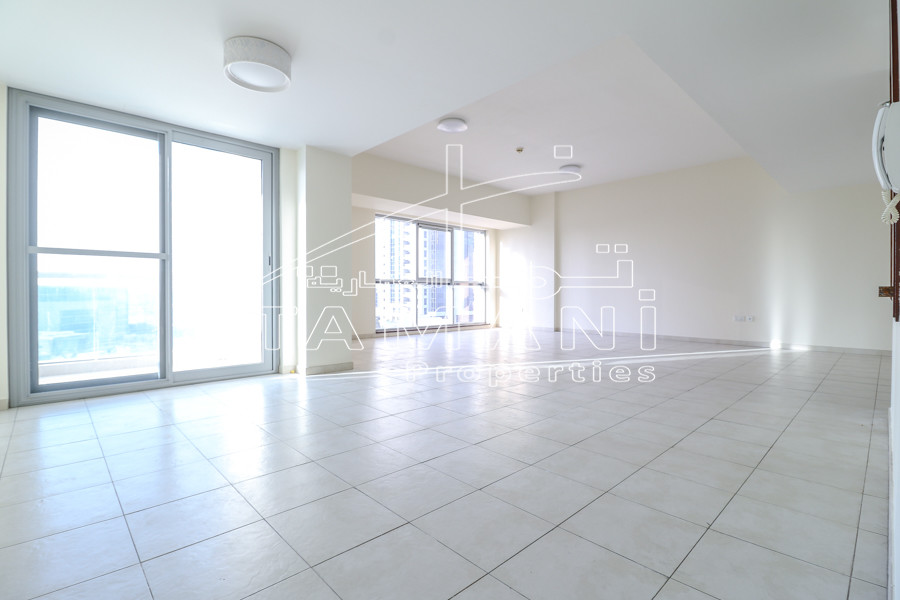 Only 130K 4 Cheques 2200 Sq.ft Sea View – Executive Towers