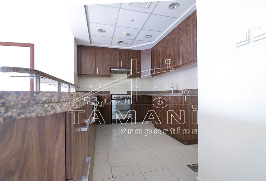 952 sq.ft | studio converted to 1 Br | near metro - Executive Towers