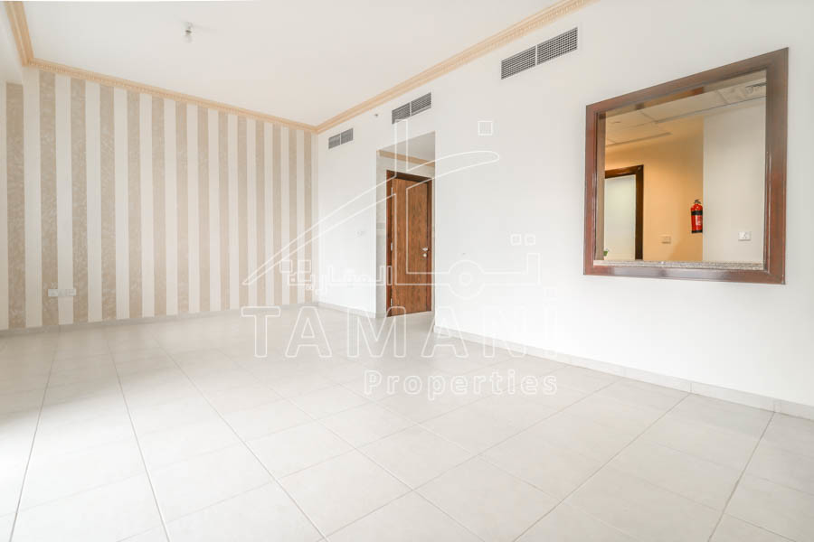 95K ONLY For 2Bed En-suite with Burj Khalifa View. - Executive Towers