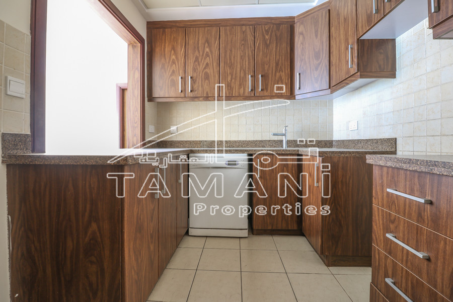 2br plus store   Multiple options   Near Metro - Executive Towers
