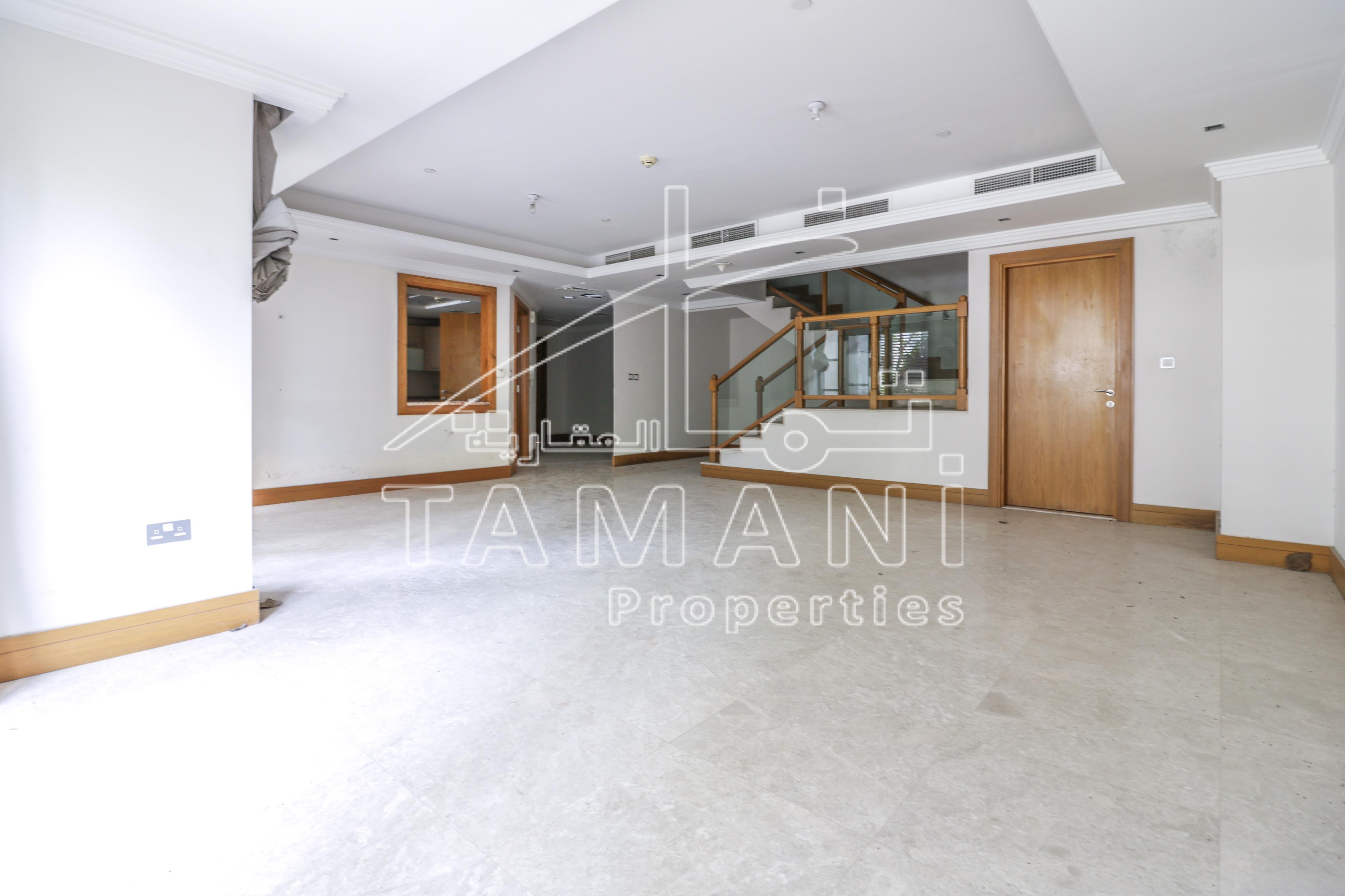 Duplex 3Br Villa | Vacant | Vastu direction - Executive Towers