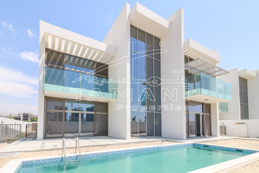 Corner Unit 5 Bedroom Contemporary Villa - District One