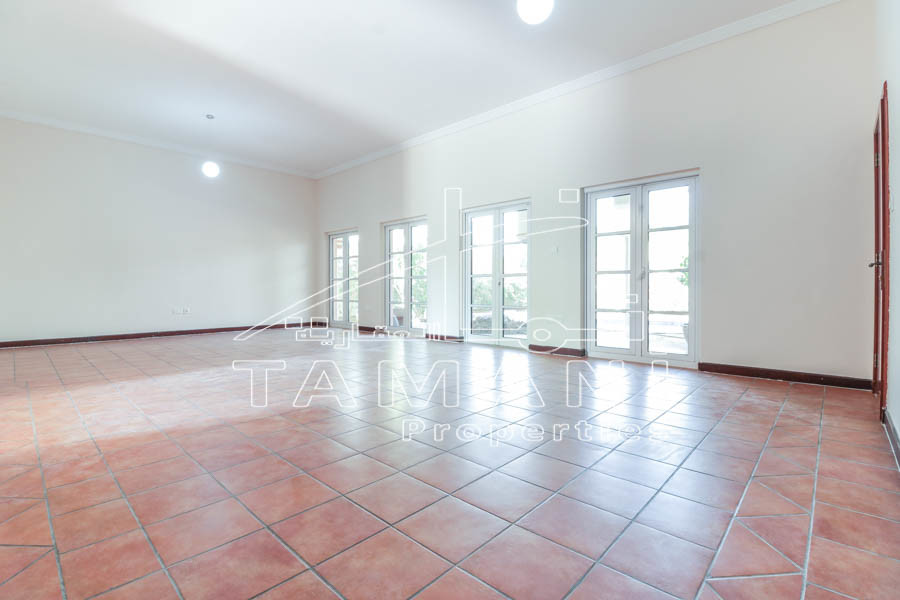4 BR + Study   Vacant   Ready To Move In -