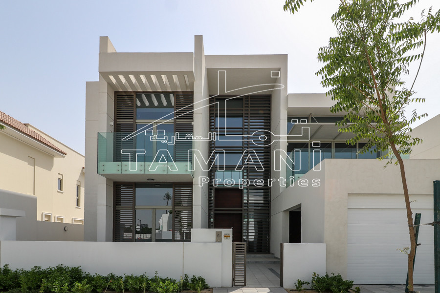 8760 sqft Plot, 5 Bedroom Contemporary - District One