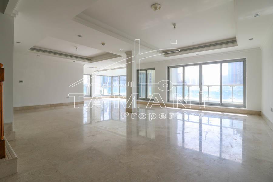 Triplex 4 BR Podium Villa | Upgraded Facing Park - Executive Towers