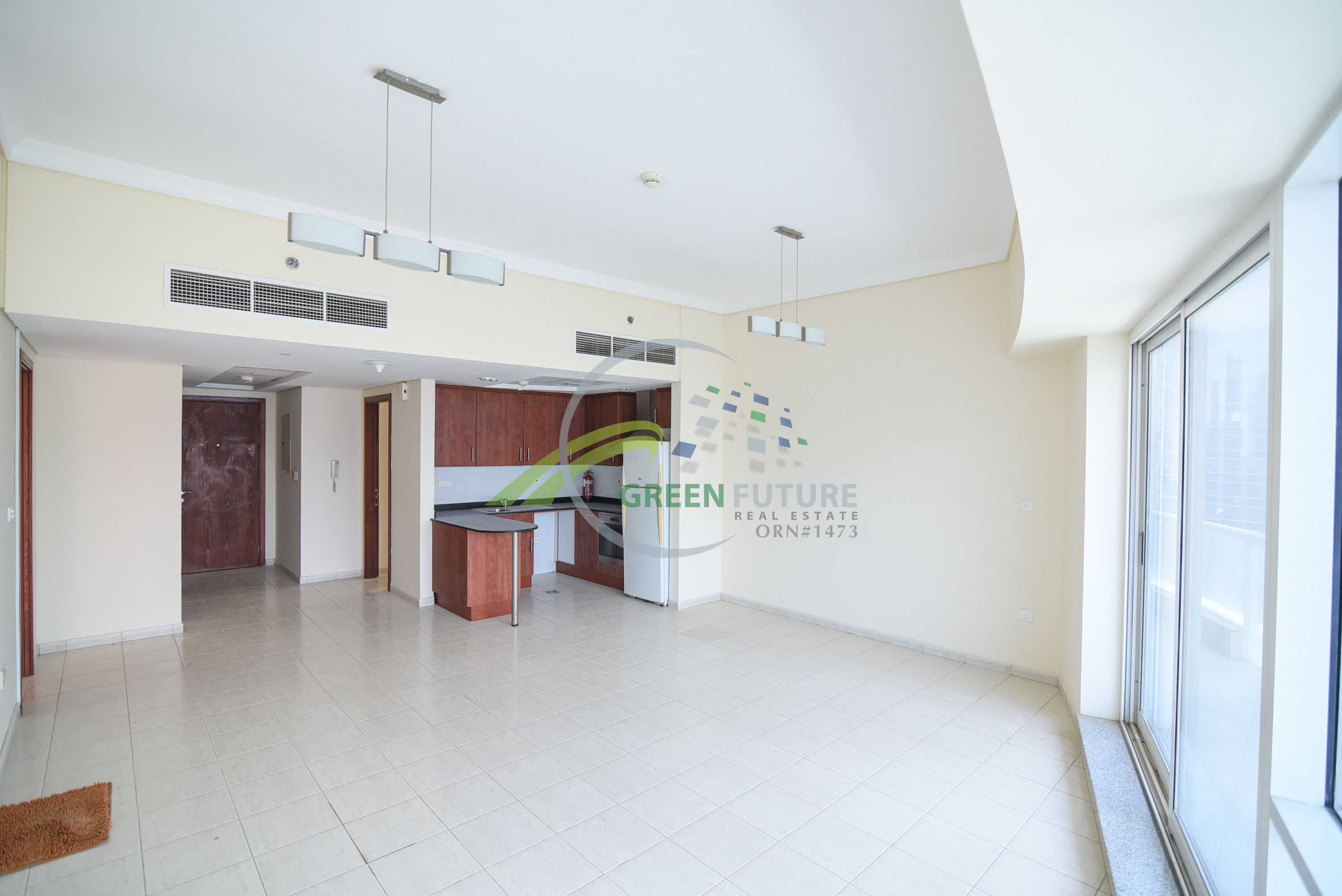 Well Maintained Unit Close to Metro Station