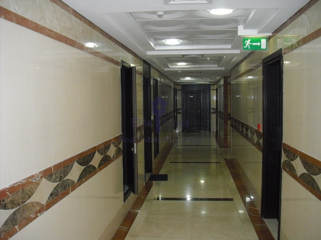 Chiller Free Big Studio Al Waleed JLT
