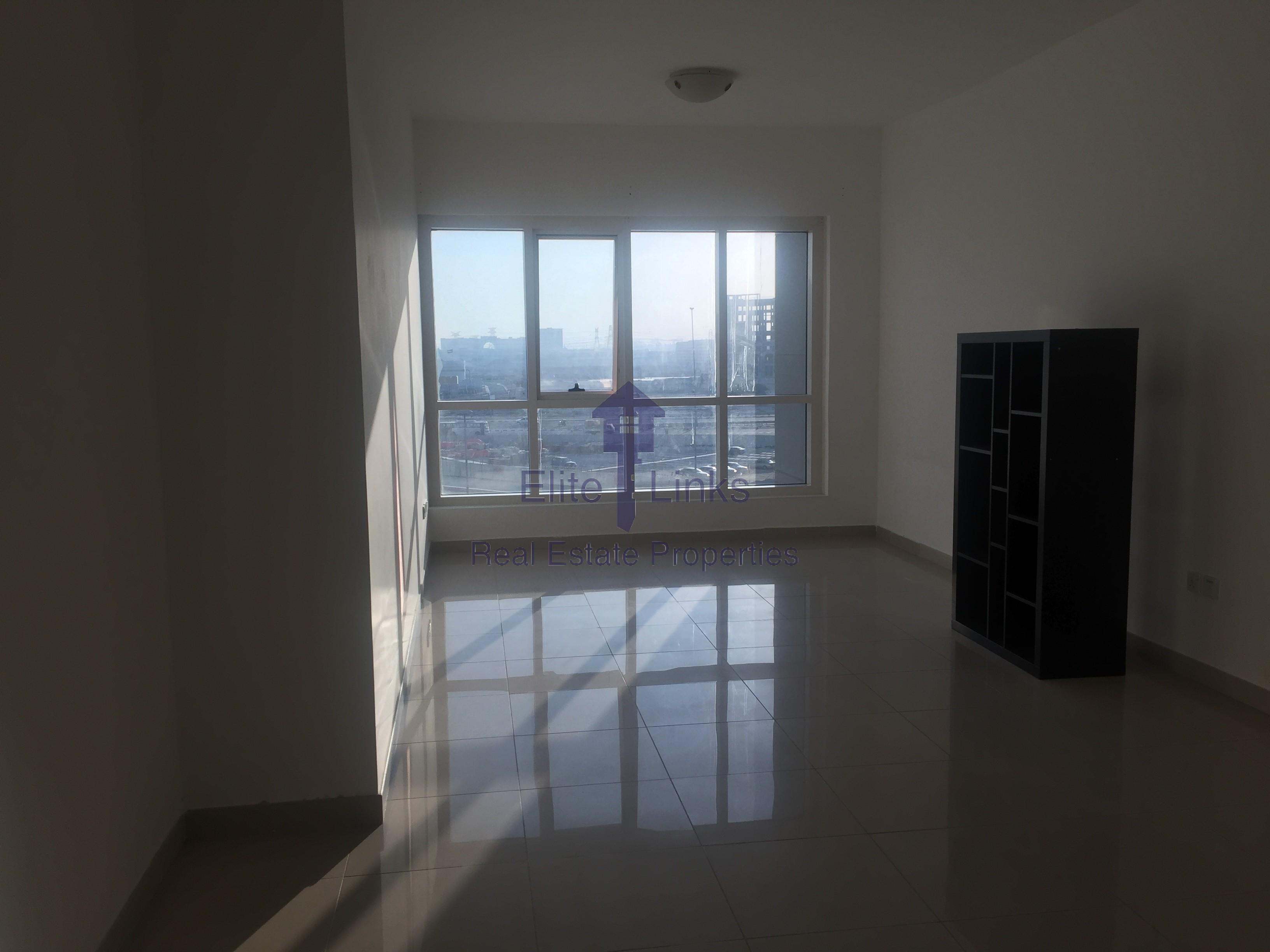Spacious 1BR High Floor 73K 4 chqs JLT