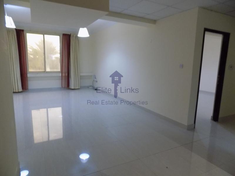 Large 2 BR+Hall Jumeirah Road 4 Chqs