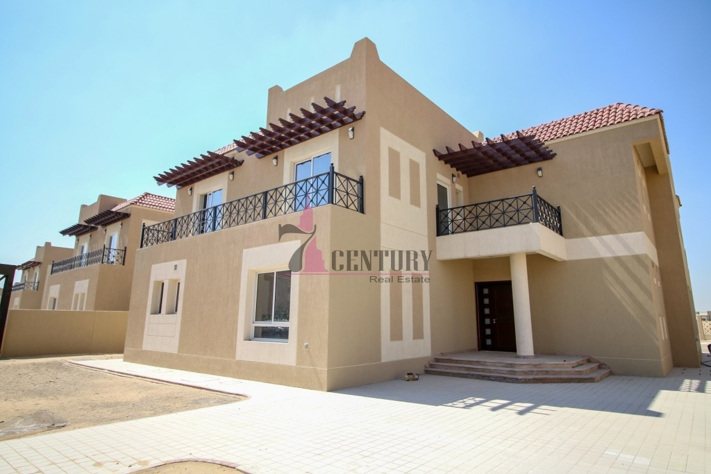 6br-villa-for-renting-with-golf-course-view