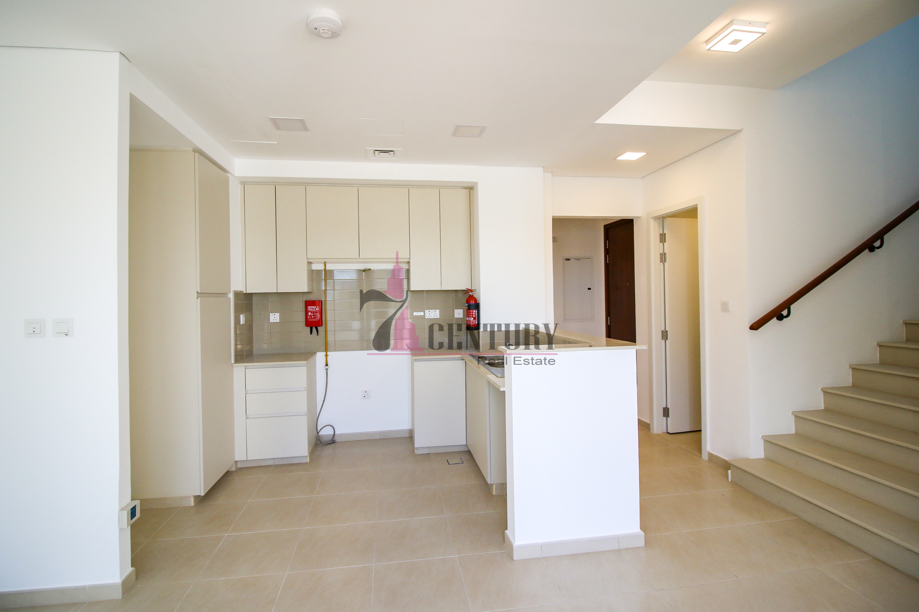 well-maintained-3-br-townhouse-type-th-v