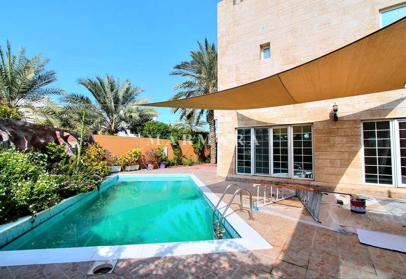1 Month Free   5 BR Villa   Pool/Garden