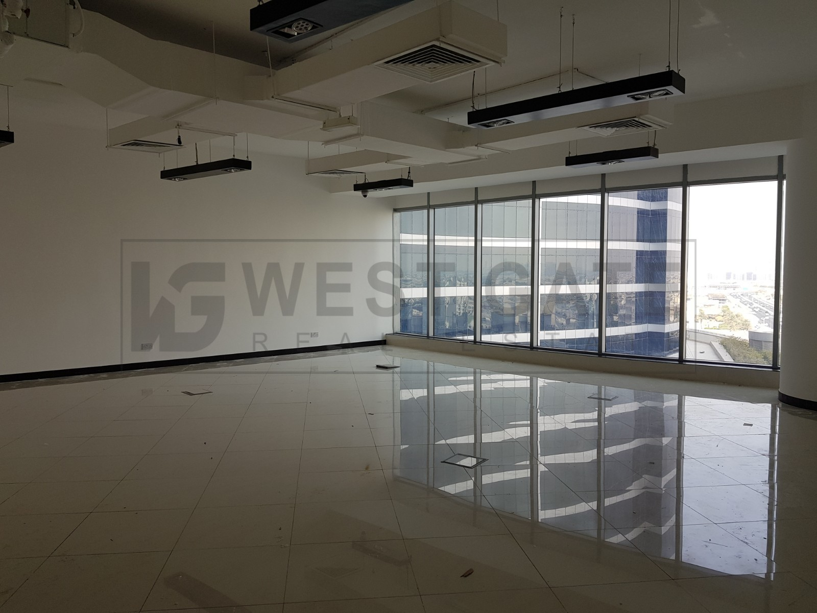 fitted-office-in-i-rise-tower-barsha-heights