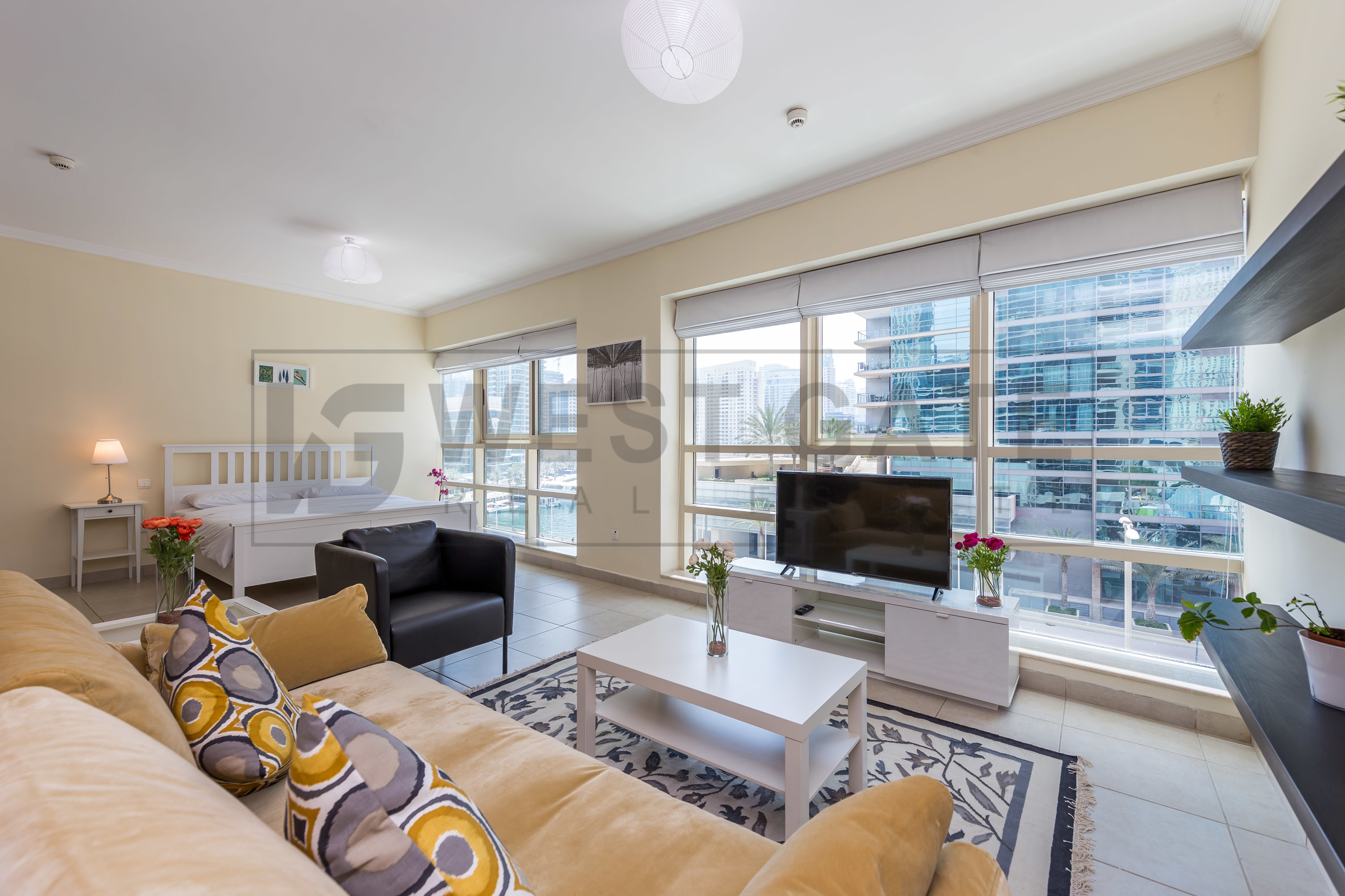 cozy-studio-apartment-in-marina-quays-west