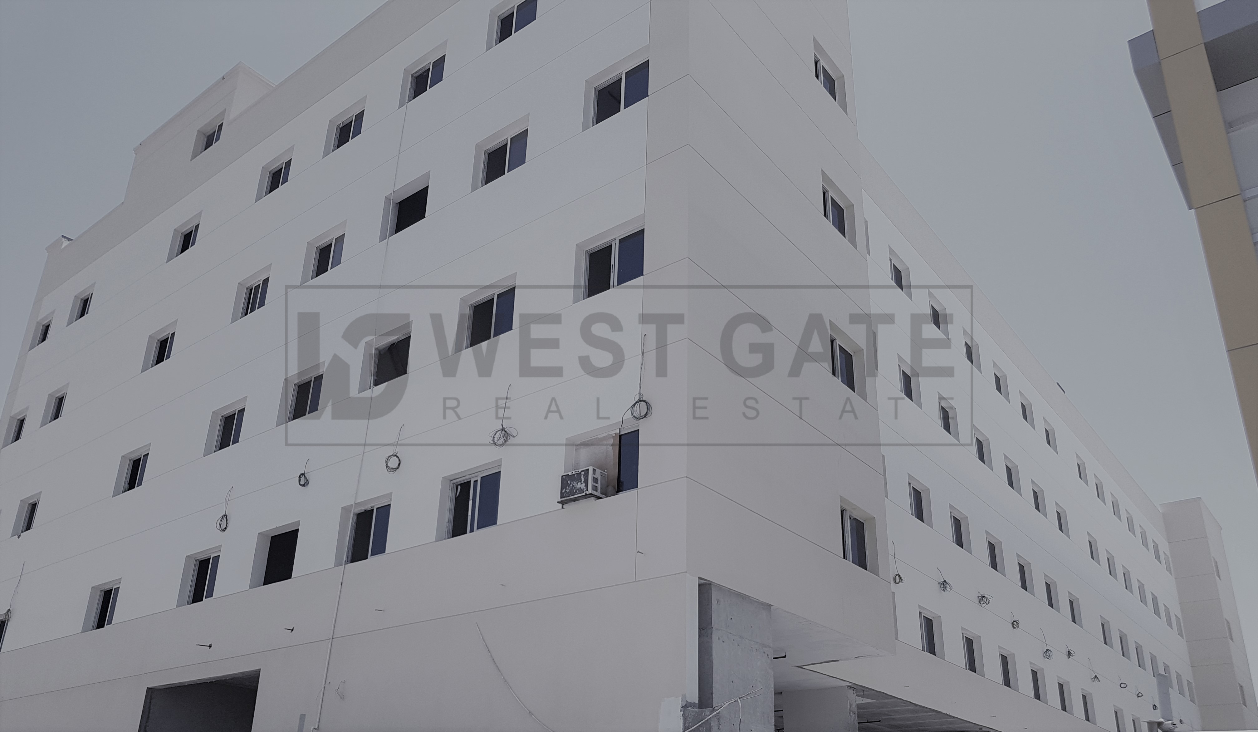 new-labor-camp-aed-2200-prm-264-room-1000-staff