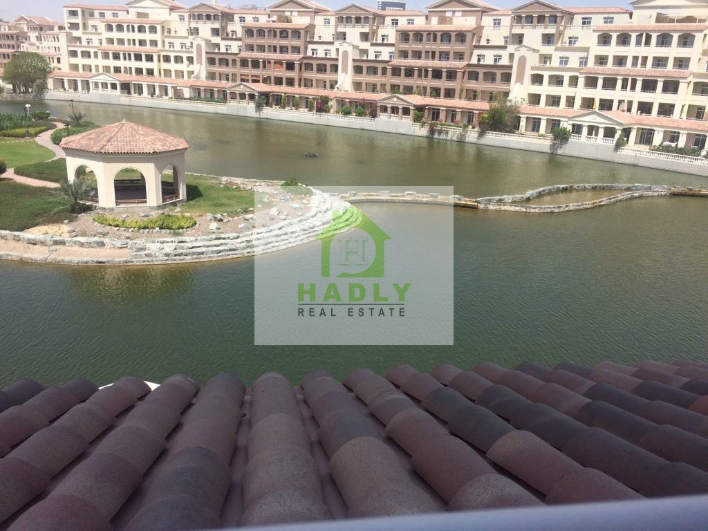 Full lake view, Huge 3 Bedrooms+Maid for Sale in Terrace Apartment